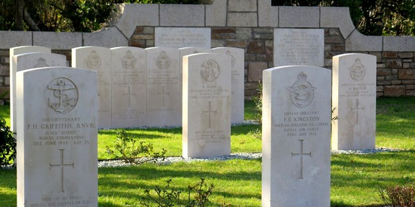 war_cemetery_corsica
